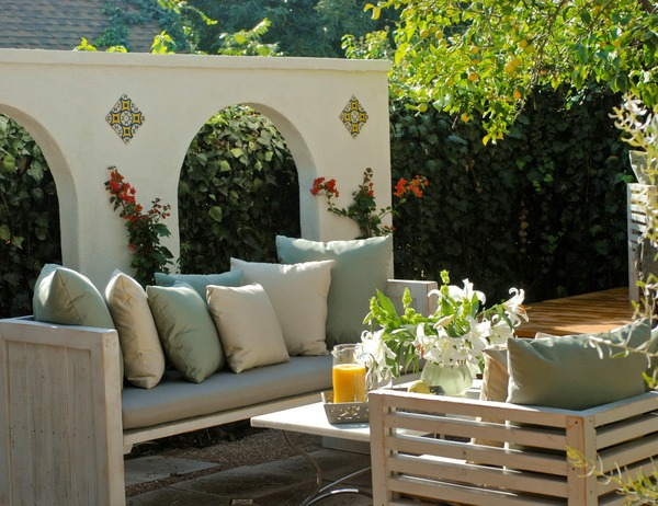 7 Backyard Decoration Ideas
