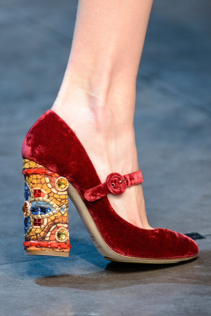 10-must-have-accessories-for-fallwinter-2013_06