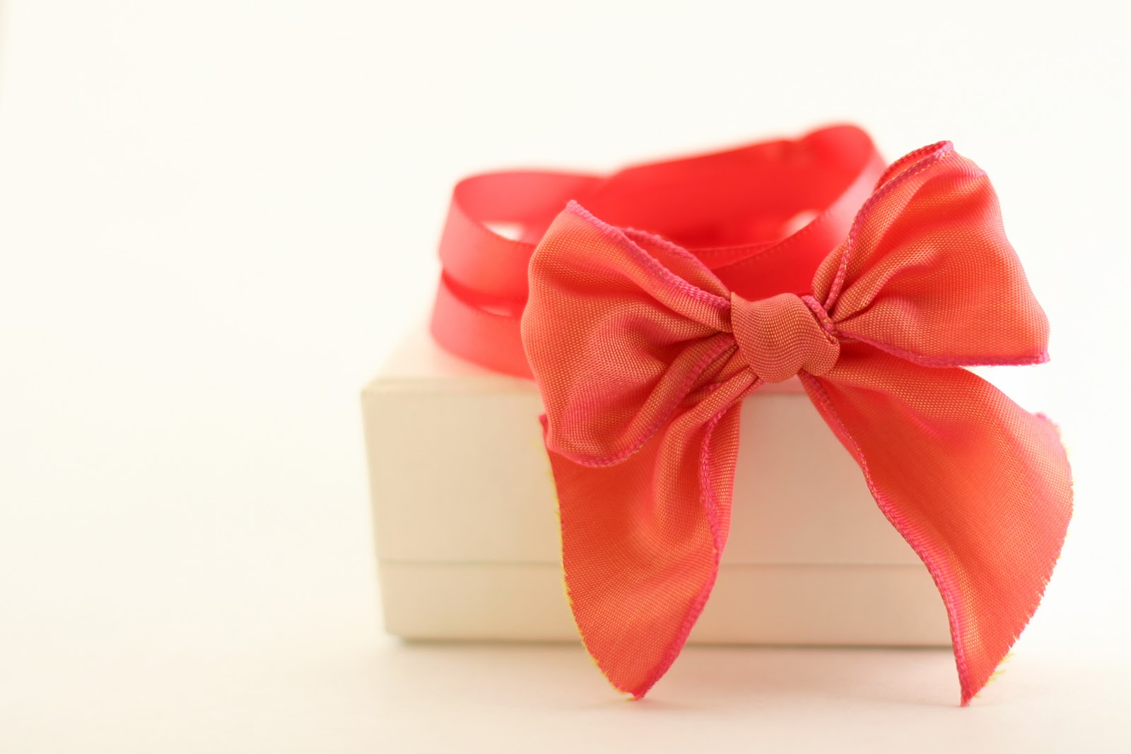 DIY-Bow-Bracelet-in-less-than-30-minutes