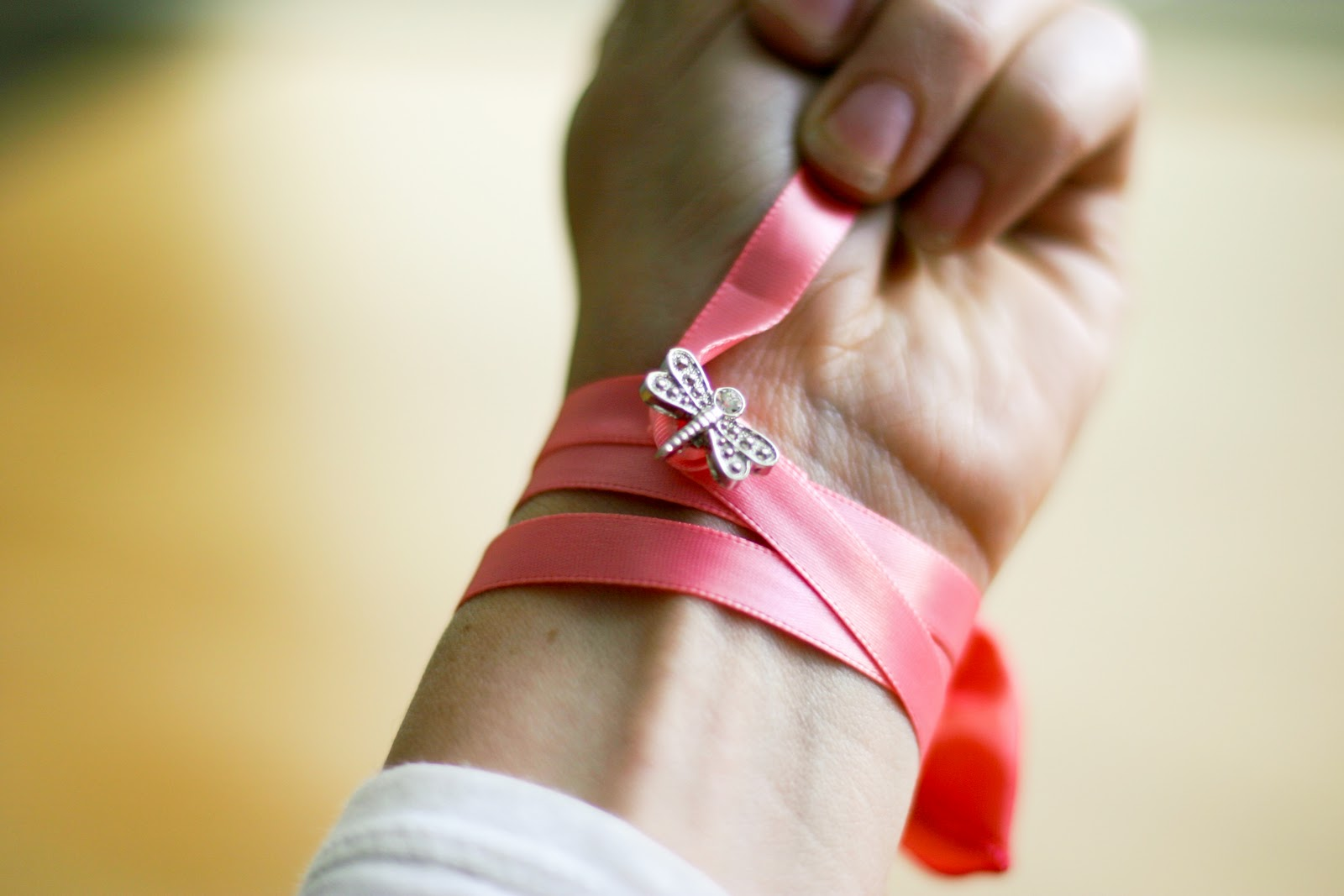 DIY-Bow-Bracelet-in-less-than-30-minutes_16
