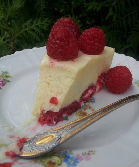 Recipe-White-Chocolate-and-Raspberry-Cake_02