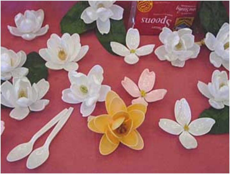 Making Magnolias, Dogwood & Water Lilies from plastic spoons!