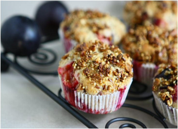 Spelt Granola Muffins with Plums