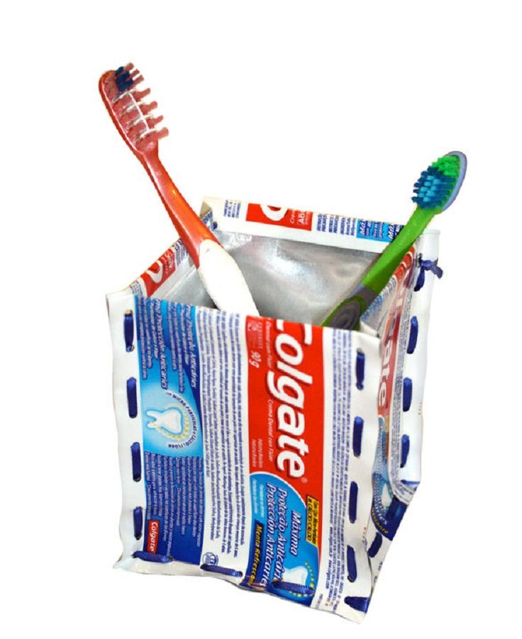 toothbrush-holder-image-08