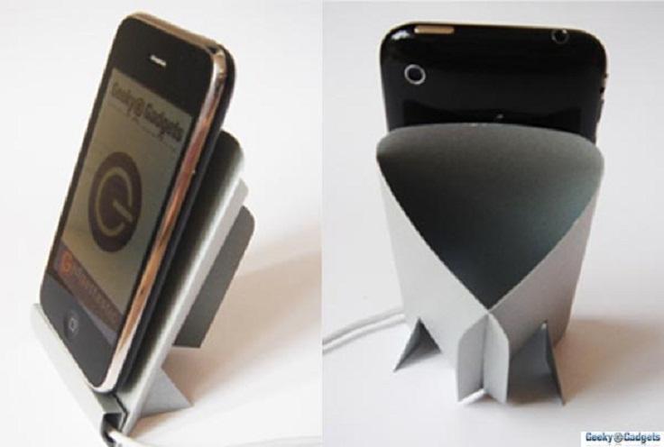 Cardboard-iPhone-dock