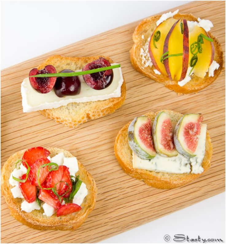 Gusto on emaze for Canape with cheese