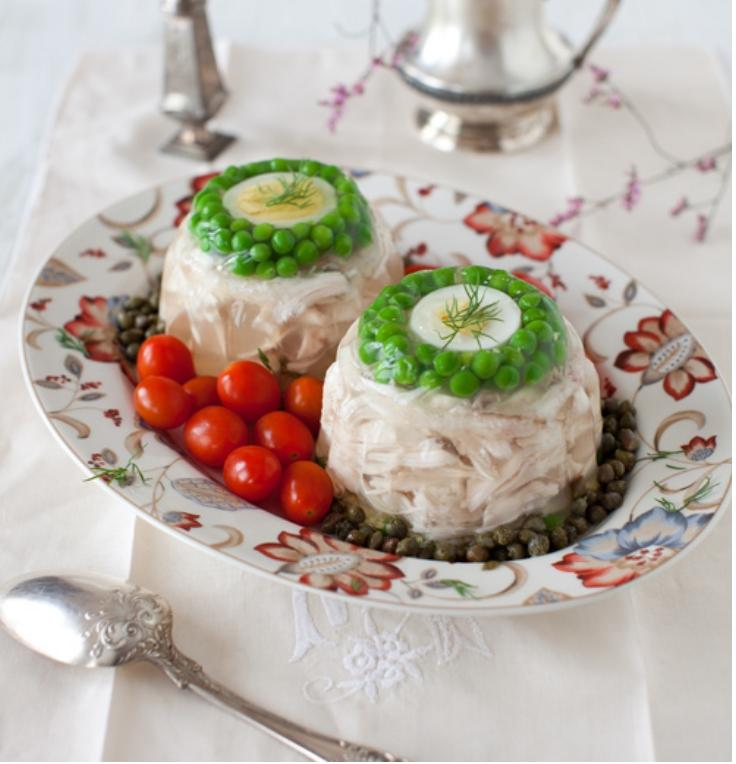 Chicken Aspic with Green Peas & Egg