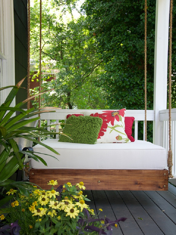 HCRBL-211_porch-swing-potted-flowers_s3x4_lg