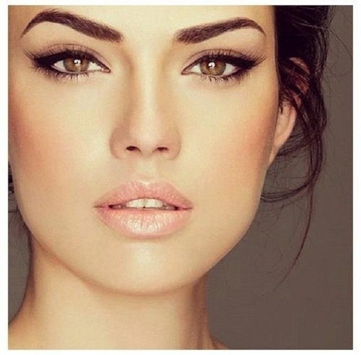 Khloe-Kardashian-Day-Night-Makeup-14