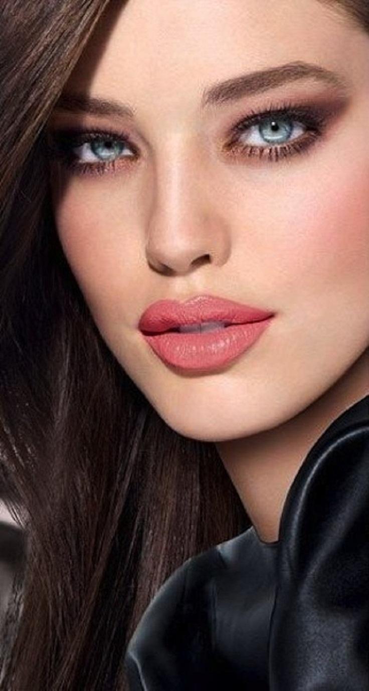 Khloe-Kardashian-Day-Night-Makeup-7