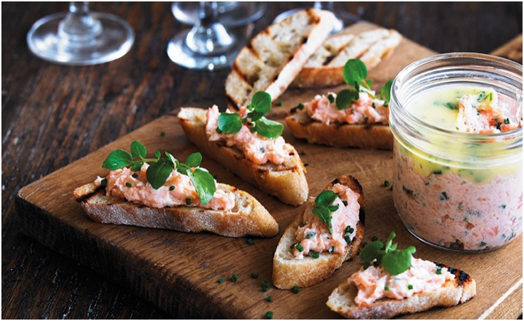 SMOKED SALMON & LEMON PATE WITH PARSLEY BUTTER