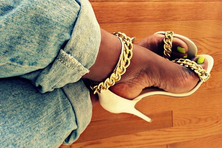 chain heels 8
