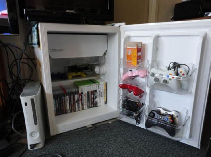 old-mini-fridge-into-tv-stand-634x475
