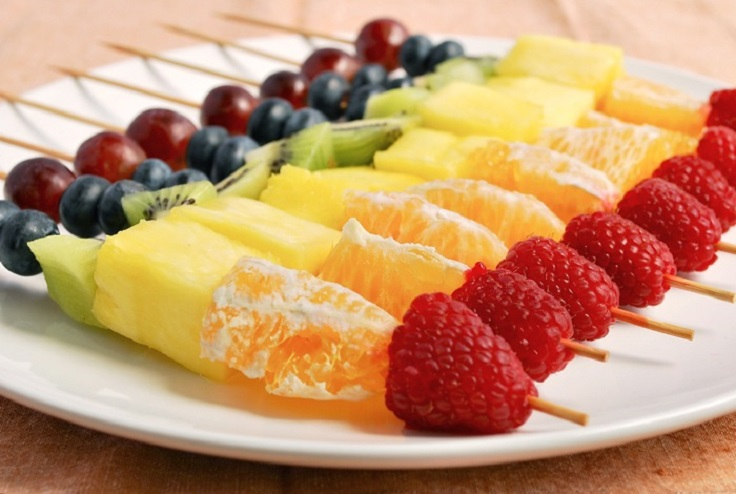 rainbow-fruit-skewers