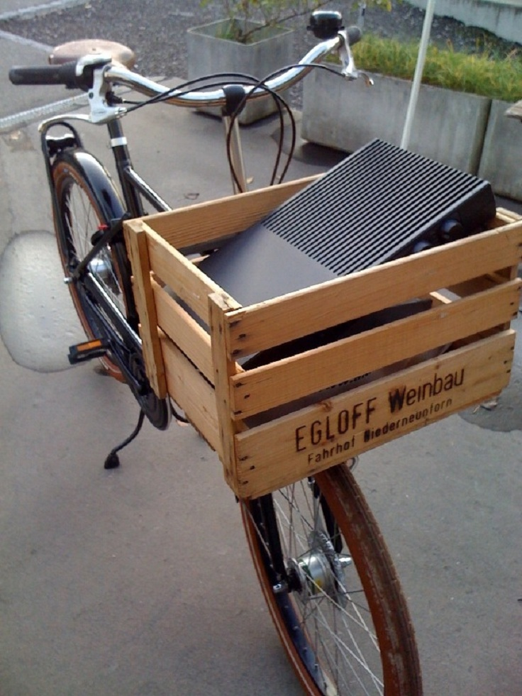 reusing-shipping-crates-as-bike-basket