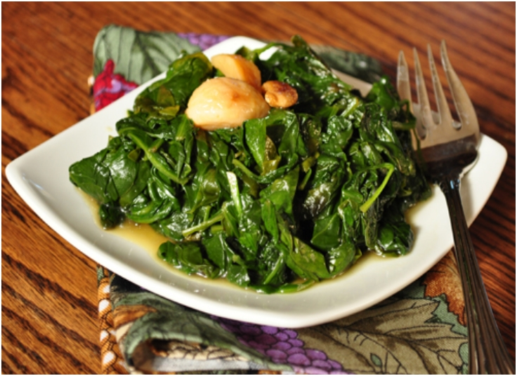 spinach-sauteed-wth-roasted-garlic