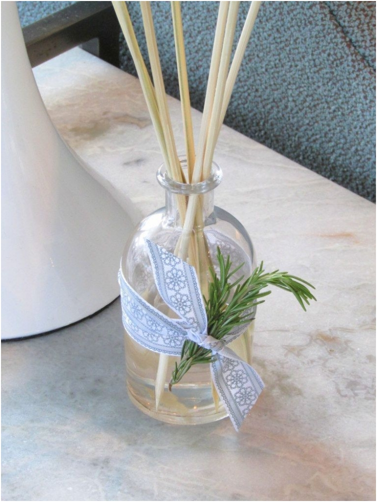 ESSENTIAL OIL HOME REED DIFFUSER