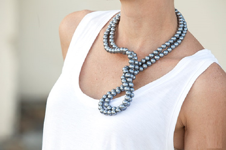 WIRED PEARL NECKLACE