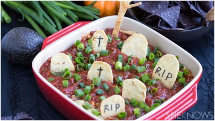Graveyard Taco Dip And Chips