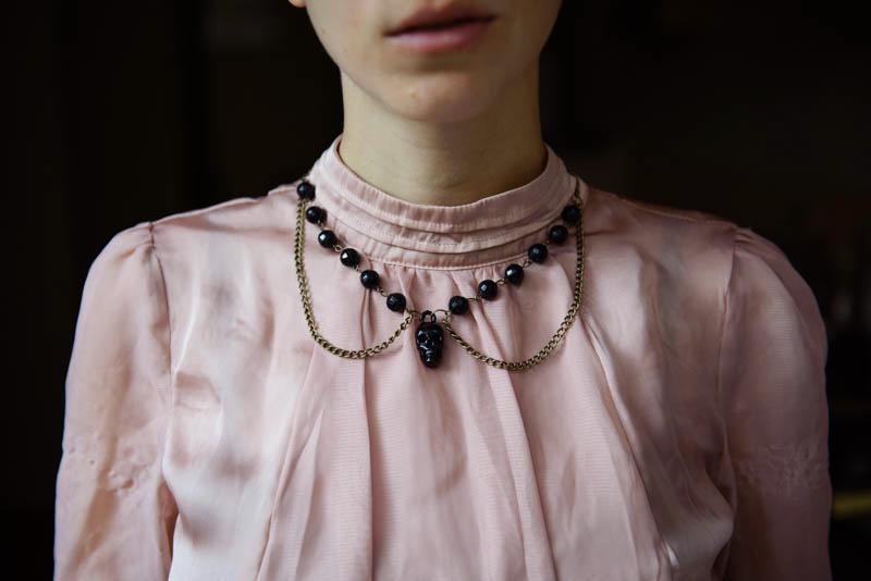 Skull collar necklace