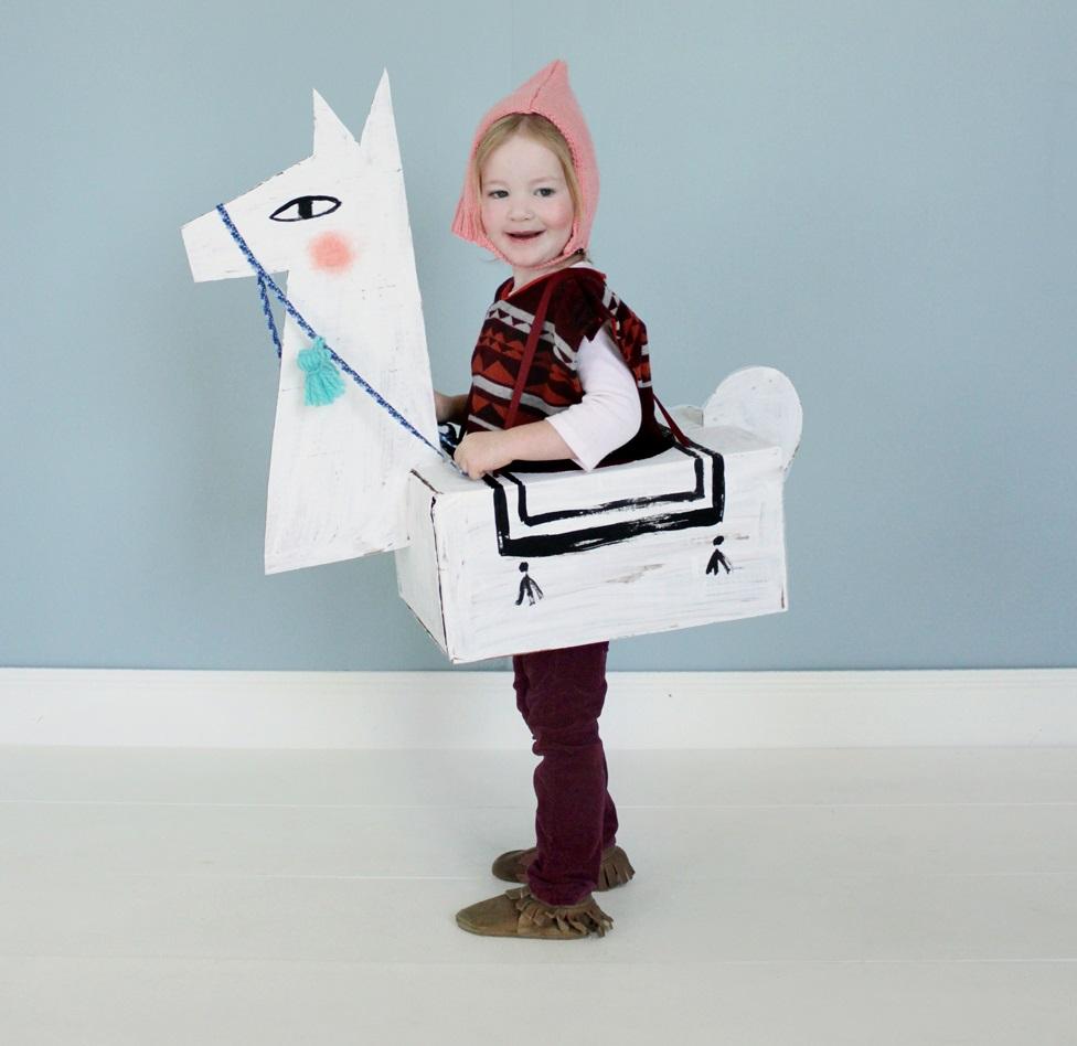 c Cardboard Llama Costume