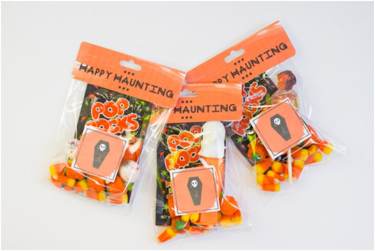 printable trick-or-treat bag labels